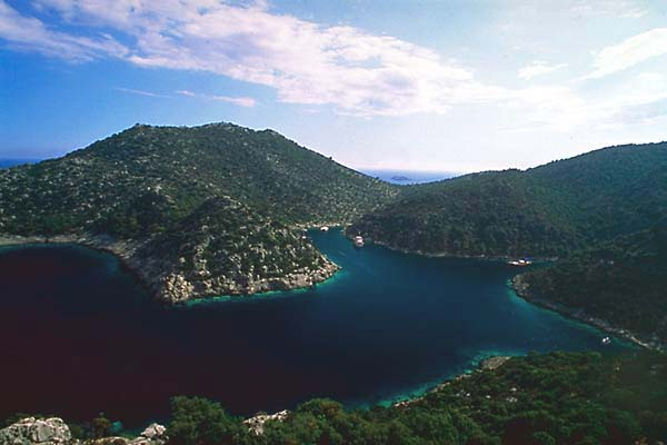 Karaloz Bay